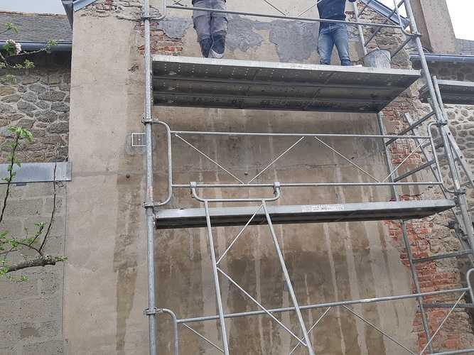 Réseau avant béton drainant et réparation façade avant enduit a la chaux - DINARD 20190424135928