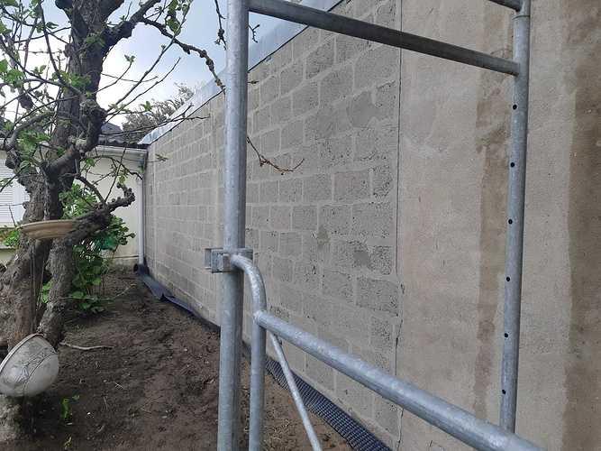 Réseau avant béton drainant et réparation façade avant enduit a la chaux - DINARD 20190424135934