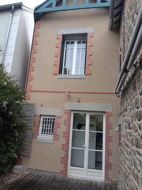 Rénovation et extension, enduit à la chaux avec briques - Saint-Lunaire 0