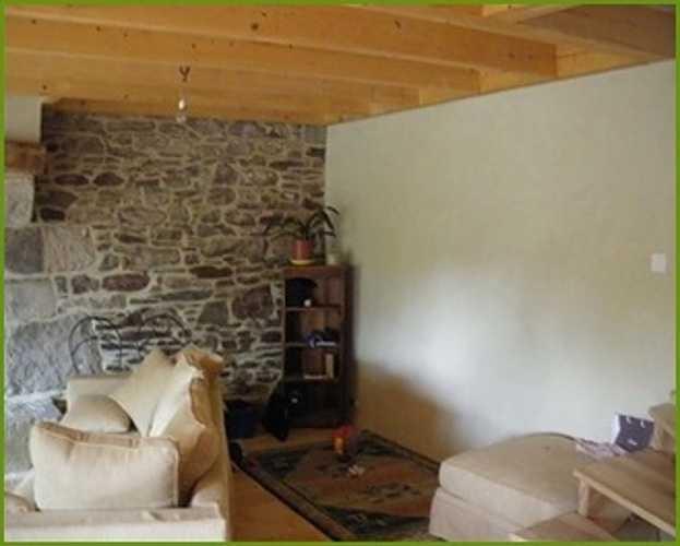 Enduit à la chaux et mur de pierre rejointé, murs intérieurs 0