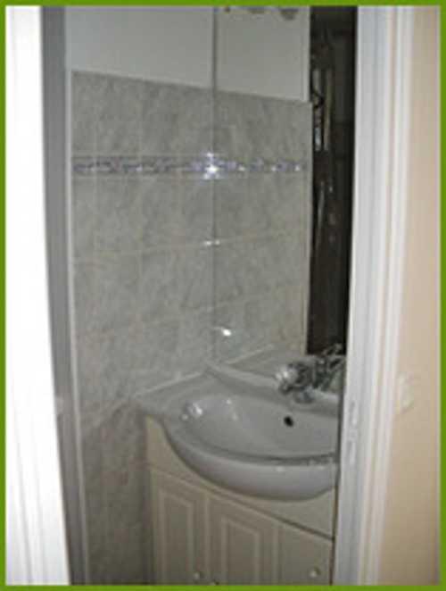 Pose lavabo, carrelage et faïence dans salle d''eau 0