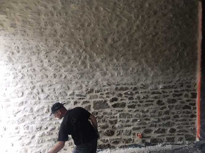 Rénovation de joints pierre et badigeons intérieurs img1654