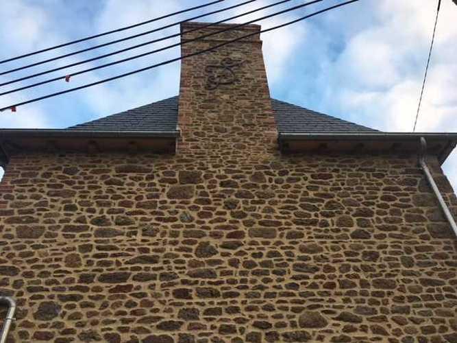 Maçonnerie de gerbière en pierre et réfection des joints img2179