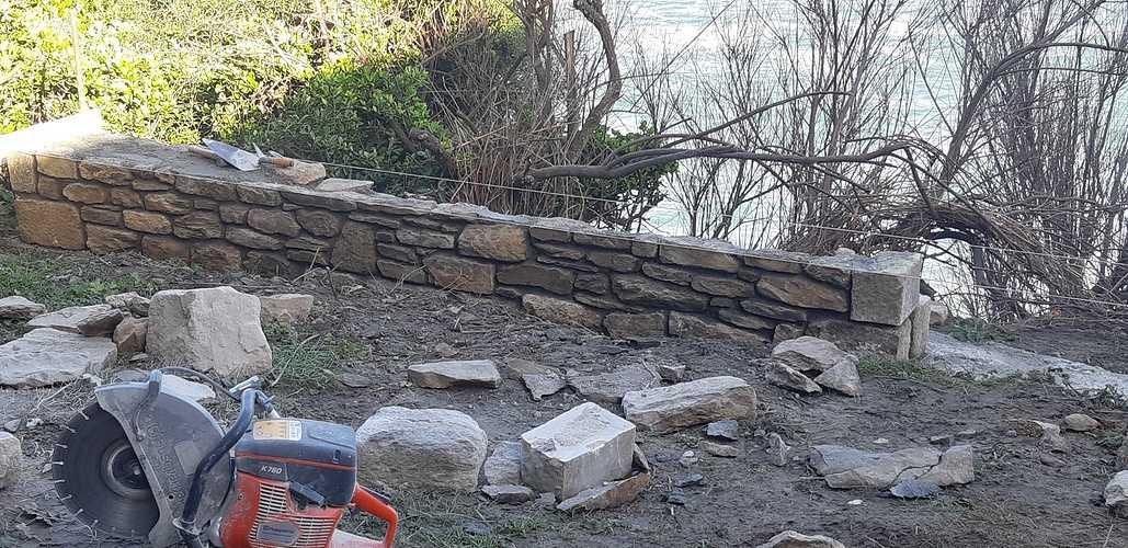 Construction muret Pierre à l''ancienne avec joints à la chaux 20180418093216